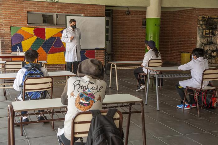 Recomendación para la vuelta a clases presenciales en el contexto de la pandemia por COVID-19